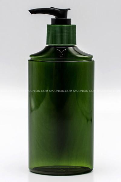 MP77CM ขวดปั๊มครีมสีเขียวใสพร้อมโลโก้นูนบนขวด และ ปั๊มสีเขียวสลับดำ (1)